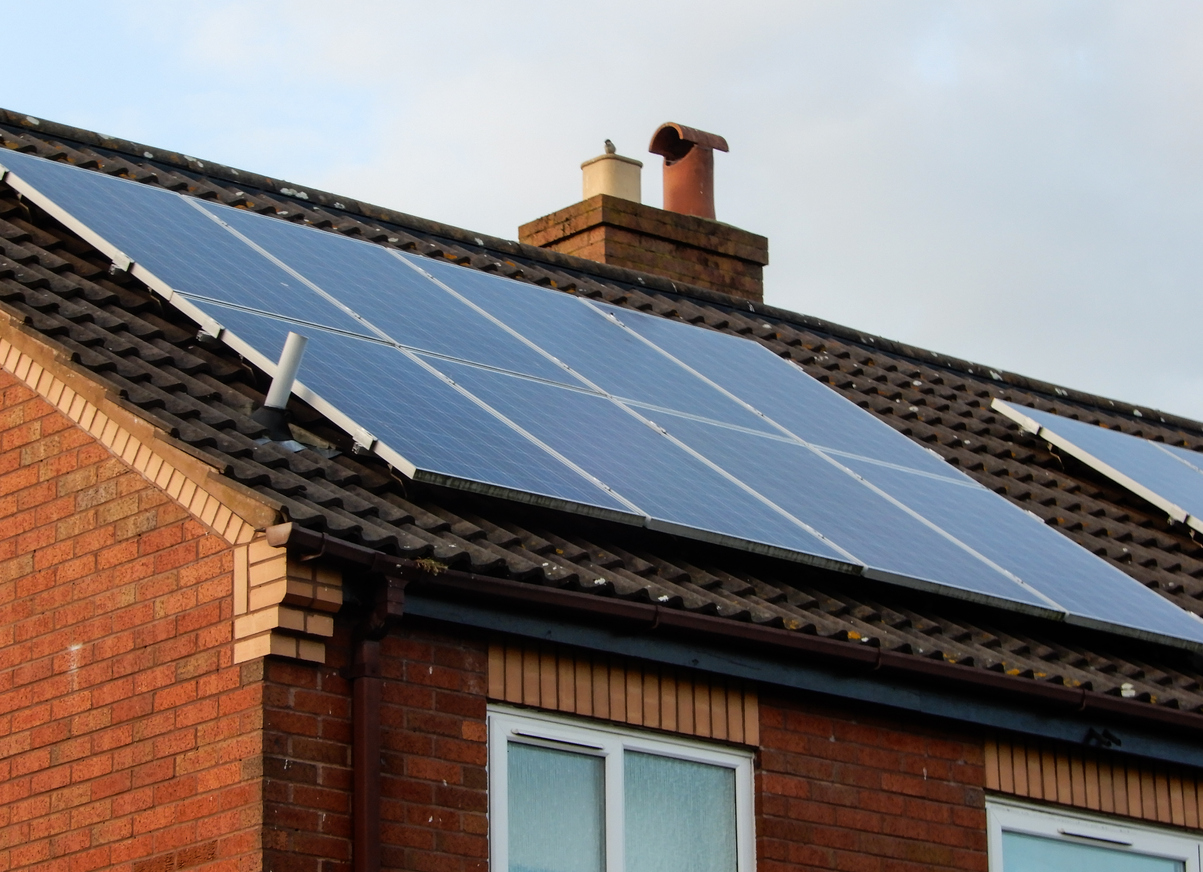 Do solar panels increase house prices?